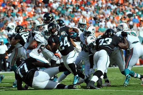 dolphins jaguars 62 7 jaguars vs dolphins to records scores stats