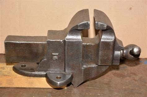 made in usa bench vise antique classic athol machine co cast iron bench vise