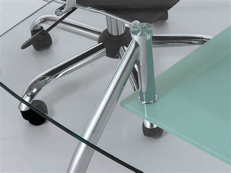 scrivanie acciaio e vetro tavolo scrivania da ufficio bertram in vetro e acciaio 145 cm