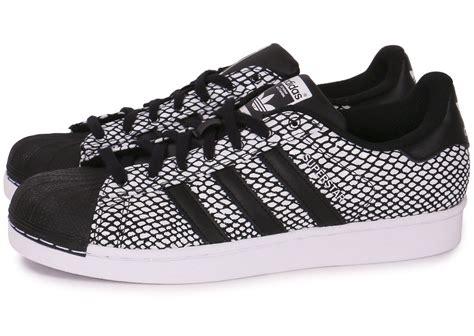 Adidas Supertar Classic B W adidas superstar snake chaussures homme chausport