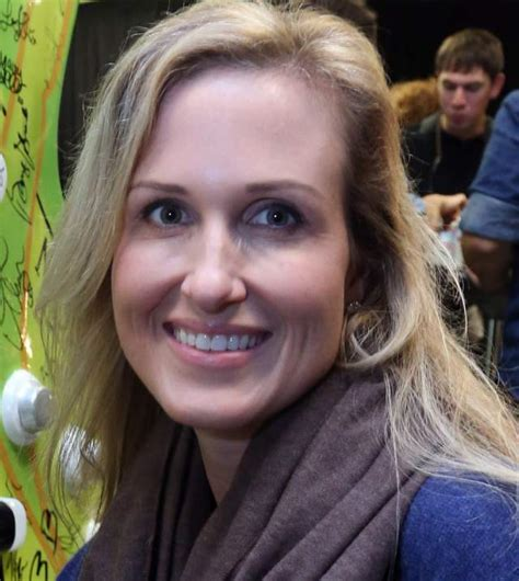 duck dynasty wifes hair cuts korie robertson 5 fast facts you need to know heavy com