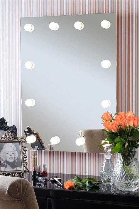 Specchio Retroilluminato Fai Da Te by Specchi Da Trucco E Postazioni Makeup Le Migliori Proposte
