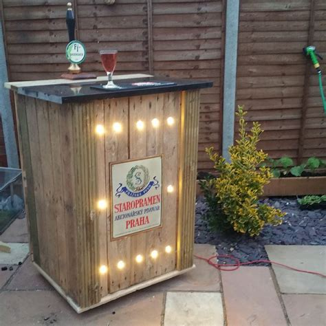 pallet corner bench recycled corner bench table and pallet bar pallet ideas