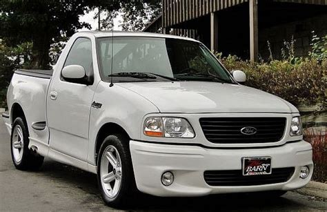 Ford Lighting by Affordable Collectible 1999 2004 Ford F 150 Svt Lightning Ebay Motors
