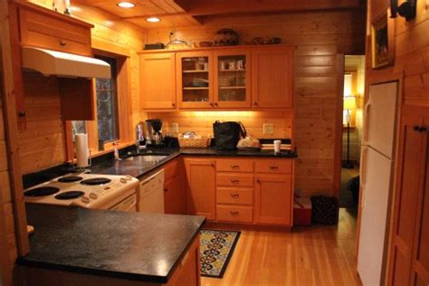 holiday kitchen cabinets reviews holiday farm resort blue river отзывы фото и