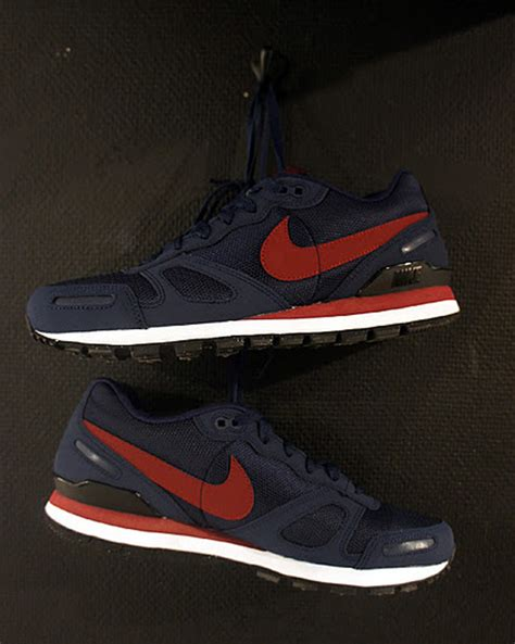 Nike Waffle Trainer 5 nike air waffle trainer white midnight navy sneakernews