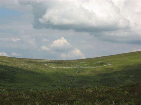 grimspound legendary dartmoor dartmoor site grimspound enclosed settlement
