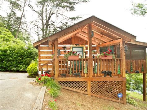 Honeymoon Cabins In Pigeon Forge Tennessee by Do Not Disturb Honeymoon Homeaway Pigeon Forge