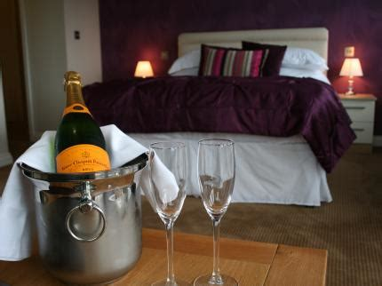 boat house hythe boathouse hotel deals reviews southton laterooms