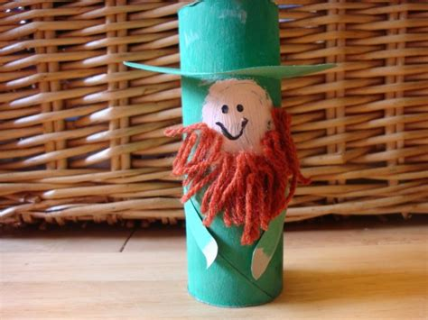 Leprechaun Toilet Paper Roll Craft - moments of mommyhood toilet paper roll leprechauns