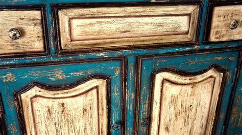 meuble en bois repeint