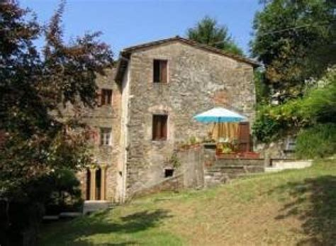 bed and breakfast in illinois bed and breakfast il melograno nano barga toscana