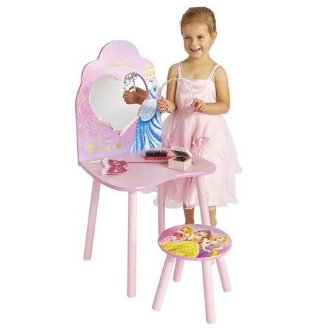table princesse disney coiffeuse disney princesses lestendances fr