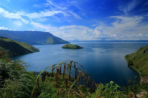 Morning Danau Toba file danau toba dari samosir jpg wikimedia commons