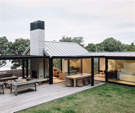 Small Sustainable Homes Nz This Beachfront Waiheke Home Makes Privacy A Priority