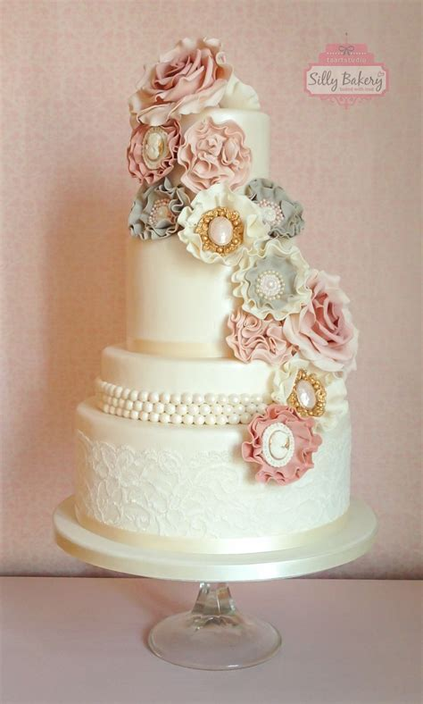 Vintage Wedding Cake Ideas by 25 Best Ideas About Vintage Wedding Cakes On