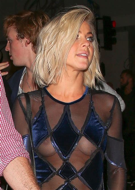julianne hough wardrobe malfunction dwts julianne hough at dancing with the stars finale after