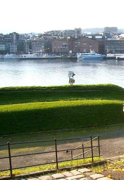 norvegia turisti per caso oslo con il fiordo viaggi vacanze e turismo turisti