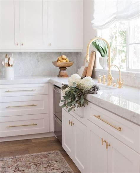 white cabinets with gold hardware 4619 best kitchen dining white images on pinterest