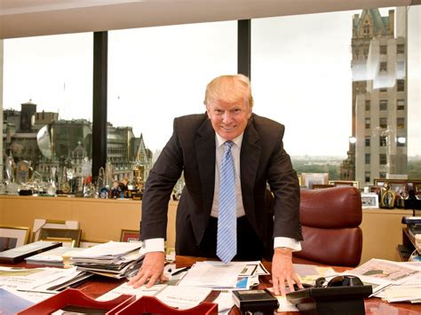 what desk is trump using trump desk photo slammed on twitter see past presidents