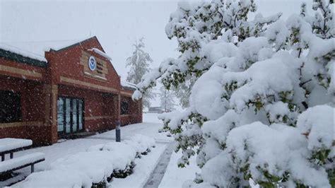 late season snow falls in flagstaff arizona weather