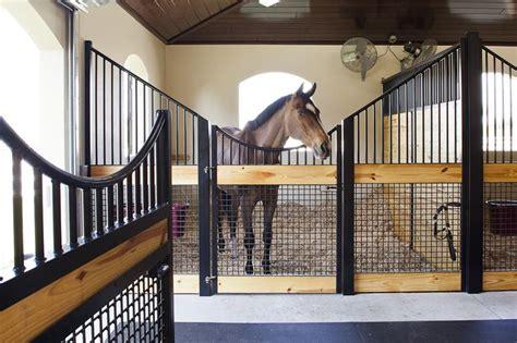 best horse stall fans 25 b 228 sta id 233 erna om horse stalls p 229 pinterest h 228 ststall
