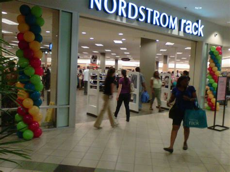 shoppers flock to newly opened nordstrom rack in pentagon