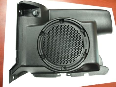 Jeep Wrangler Factory Subwoofer 2013 Jeep Wrangler Unlimited Oem Subwoofer And Enclosure