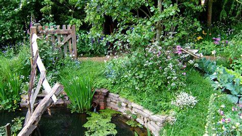 cottage garden pond chelsea pensioners garden