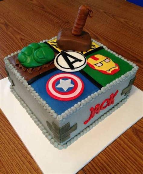 decorar bolo quadrado 55 ideias incr 237 veis para bolo dos vingadores passo a