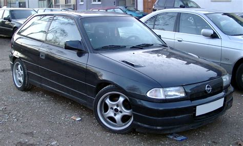 Opel Vectra 1995 Image 11