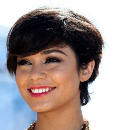 pixie haircut for strong faces 20 pixie cut for round face