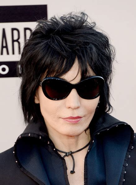 joan jett hairstyle pictures joan jett layered razor cut joan jett looks stylebistro