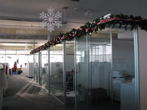 decorate your office for decorating