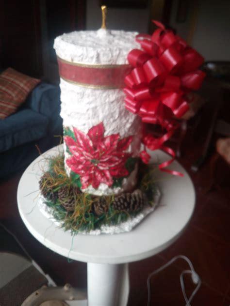 como decorar las velas navideñas decorar velas navideas detalles florales y velas para una