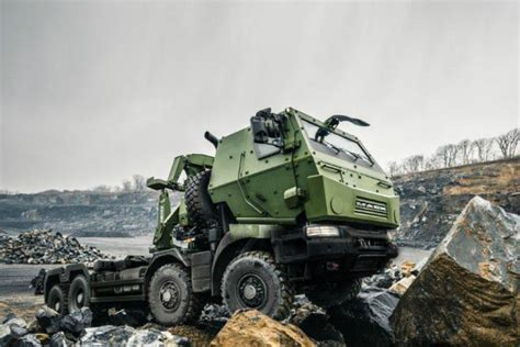 volvo group canada contrat record pour mack defense au canada renault trucks