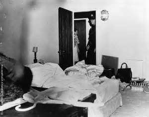 Marilyn Monroe Dead Body Pictures to Pin on Pinterest