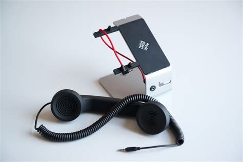 turn smartphone into desk phone pop desk an accessory that turns any smartphone into a