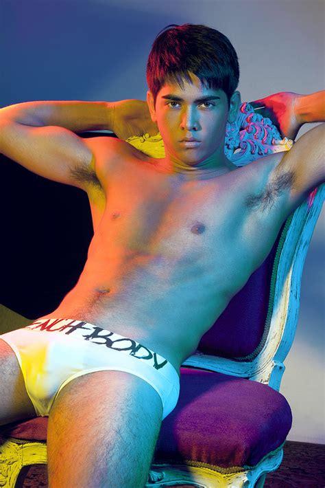 paulo avelino bench body july 2011 discreet magazine