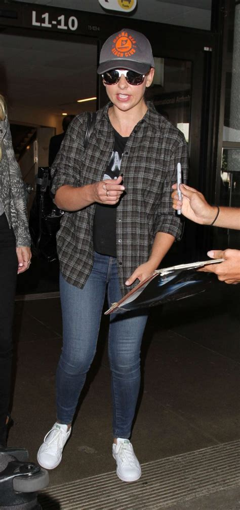 Michelles Arrives At Nyc Apt This Morning by Geller Arrives At Lax 03 Gotceleb