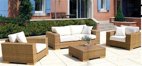 mobili da giardino in vimini come arredare un giardino con arredo in vimini