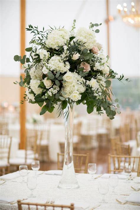 floral centerpiece ideas 25 best ideas about hydrangea centerpieces on