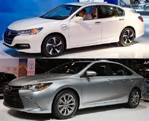 Toyota Camry Or Honda Accord 2015 Honda Accord Vs 2015 Toyota Camry Review Price