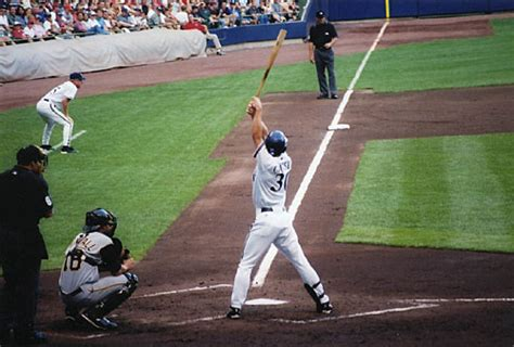 proper batting stance and swing the major league baseball swing rotational hitting