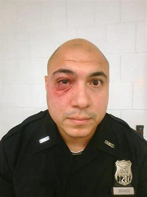 Nyc Correction Officer by Rikers Guards Attacked Inmate Slashed In Bloody Weekend