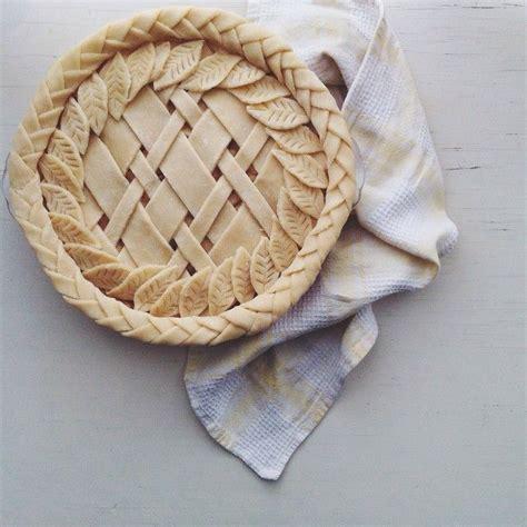 leaf pattern for pie crust i call this the quot braided diagonal lattice leaf foliage