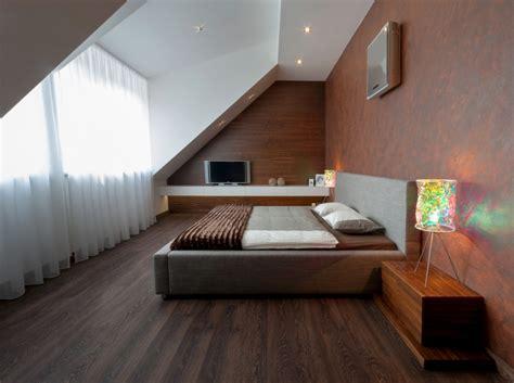 schlafzimmer gestalten schlafzimmer mit dachschr 228 ge gestalten 25 wohnideen