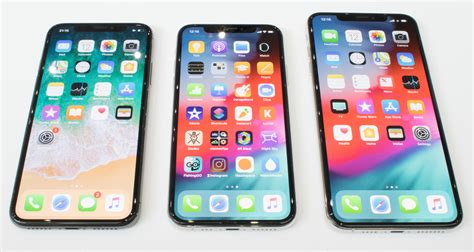 the iphone xs xs max xr and apple 4 on