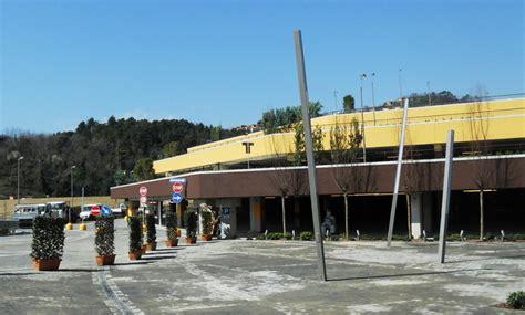 centro le terrazze realizzazione ingressi centro commerciale lavori