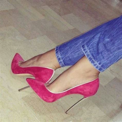 contrast color for pink pink stilettos shoegasm pinterest stilettos